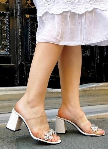 Nemesis Shoes Terlik Beyaz